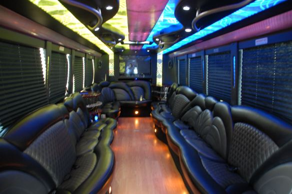 freightliner-party-bus-3