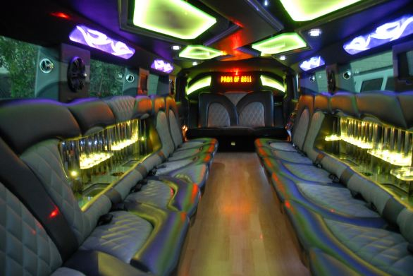 whte-hummer-limo-3