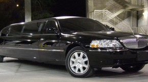 Lincoln Stretch Limo (up to 10 passengers)