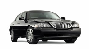 Lincoln Towncar (Black)