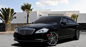 Black Mercedes S550 (Luxury Car Service)