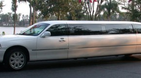 White Lincoln Towncar Stretch Limousine